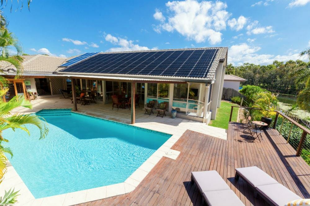 Swimming Pool Solar Panels (Buying Guide 2019)